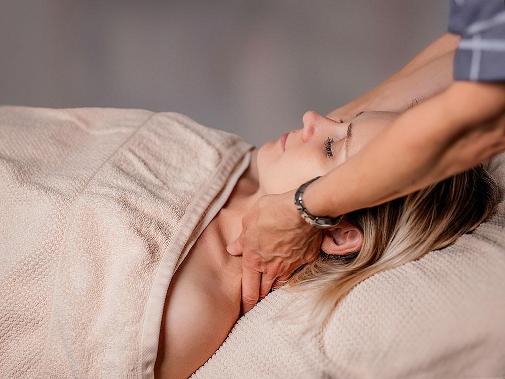 Massaggio base collo